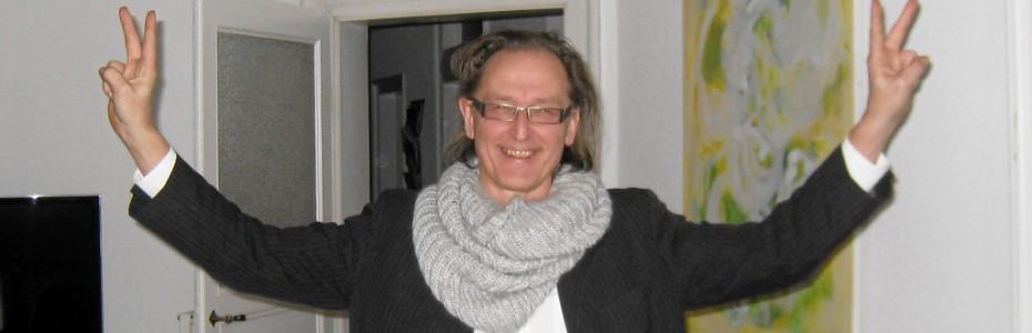 Wolfgang Plöger erhält die Nachricht, dass das Lab4Innovations in die Advanced Foresight Group aufgenommen wurde